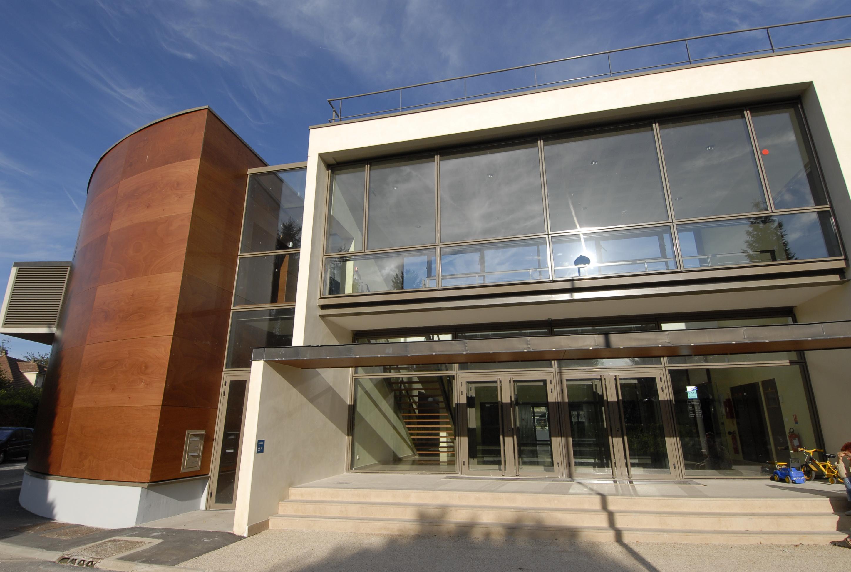 Centre culturel la ferme corsange bailly romainvilliers for Bailly romainvilliers piscine